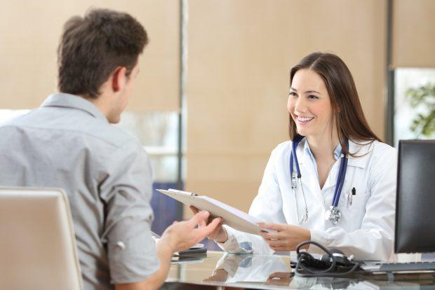 Consulta médica vacunación
