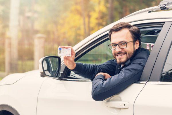 Carnet de conducir coche